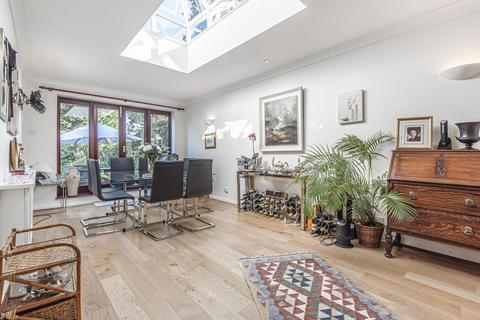 3 bedroom end of terrace house for sale - Westleigh Avenue, Putney