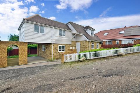 3 bedroom detached house to rent - Gordon Road Whitstable CT5