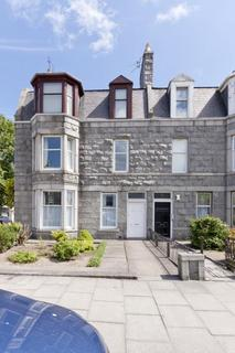 2 bedroom flat to rent - 16 Blenheim Place, Top floor flat, Aberdeen, AB25 2DY