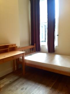 2 bedroom flat to rent - Porchester Road, Queensway / Bayswater / Hyde Park/ paddington W2