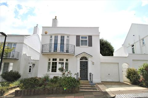 3 bedroom link detached house for sale - Holywell Close, Eastbourne, East Sussex, BN20