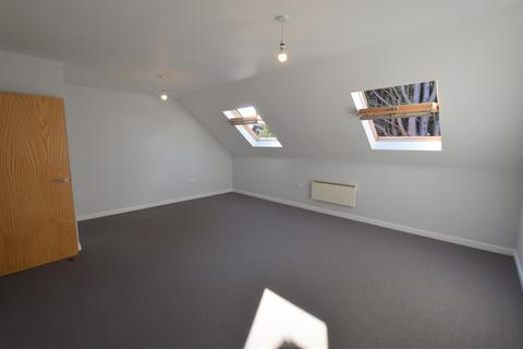 2 bedroom apartment to rent - Shelley House, Monument Close, York