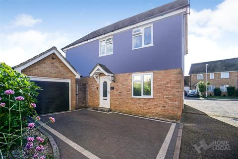 4 bedroom detached house for sale - Redshank Crescent, South Woodham Ferrers, Essex, CM3