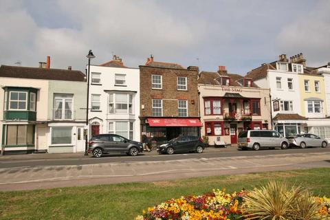 3 bedroom apartment for sale - The Strand, Walmer