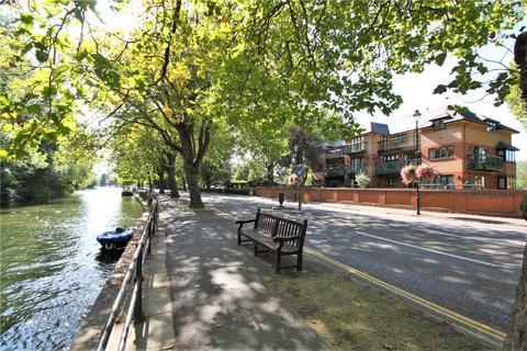 3 bedroom penthouse for sale - Lysander Mead, Derek Road, Maidenhead, Berkshire, SL6
