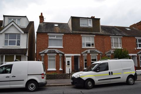 3 bedroom end of terrace house to rent - St Leonards Road, Hythe