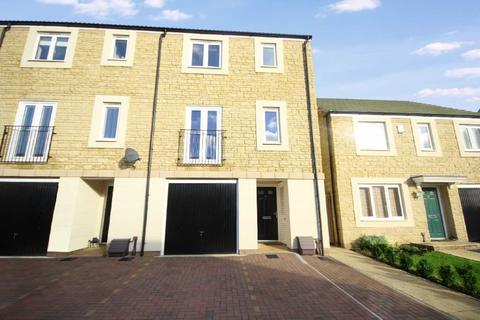 4 bedroom terraced house to rent - Sanders Close, Stratton Gate, Swindon, Wiltshire, SN2