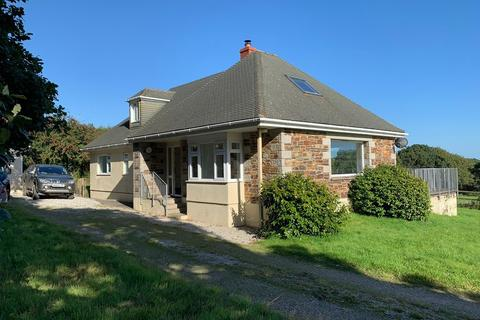 4 bedroom detached house to rent - Tregavethan