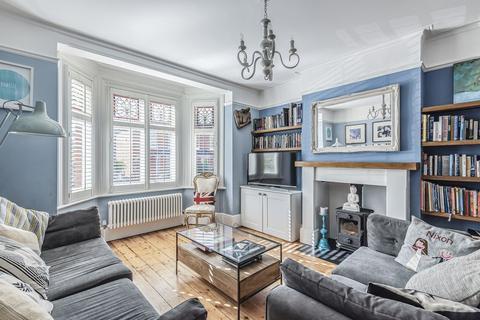 4 bedroom character property for sale - Winton Road, Farnham