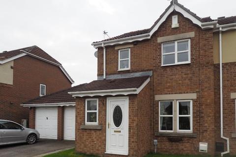 3 bedroom semi-detached house to rent - Charlestown Way, Victoria Dock, Hull, East Yorkshire, HU9 1PJ