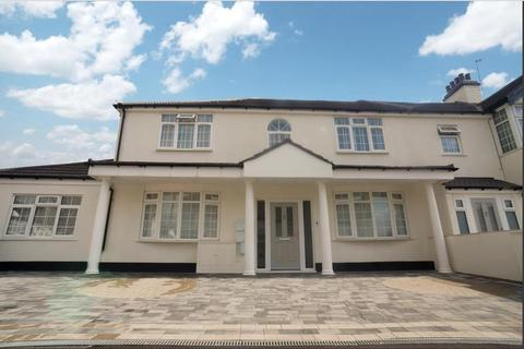 2 bedroom flat to rent - Edward Avenue , Chingford , London