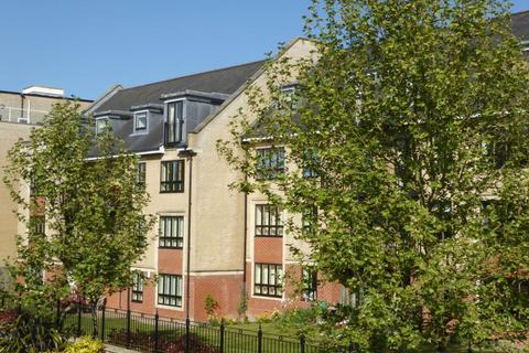 2 bedroom flat to rent - St Bartholomews Court, Riverside, Cambridge