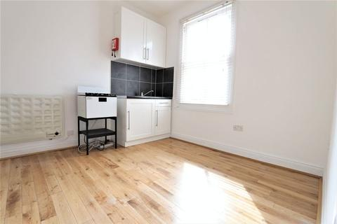 Property to rent - Parkland Road, Wood Green N22