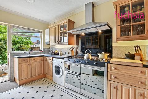 4 bedroom semi-detached house for sale - Victoria Road, Ruislip, HA4