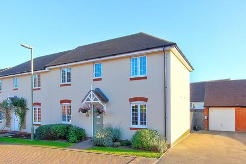 3 bedroom semi-detached house for sale - Wyndham Drive, Romsey, Hampshire