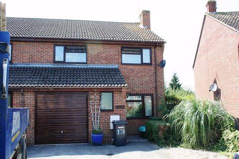 3 bedroom semi-detached house to rent - Newbury
