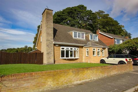 4 bedroom detached bungalow for sale - Pentland Grove, Darlington