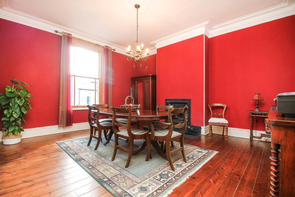 , dining room .jpg