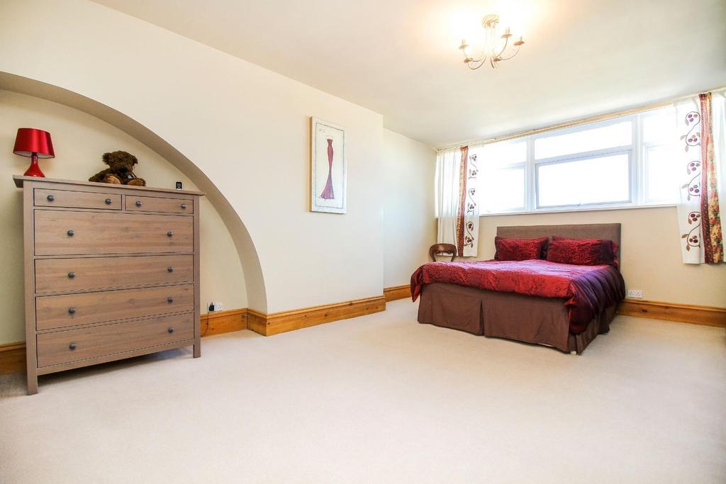 , bedroom 1.jpg