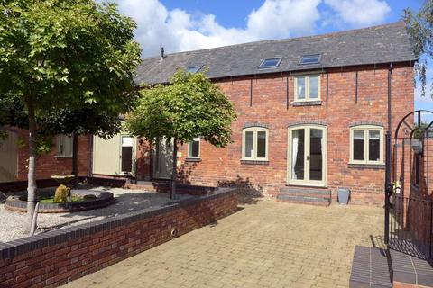 3 bedroom barn conversion to rent - Belbroughton Road, Blakedown