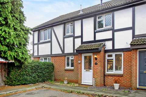 2 bedroom terraced house to rent - Telford Drive, Walton-On-Thames