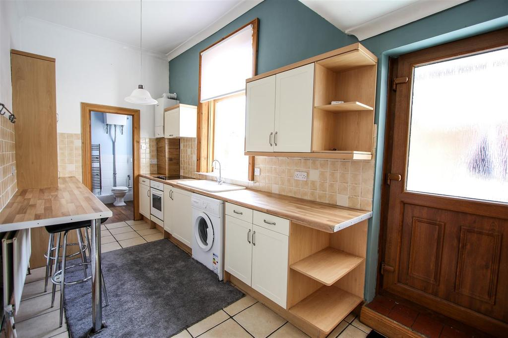 Kitchen/ Breakfasting Room