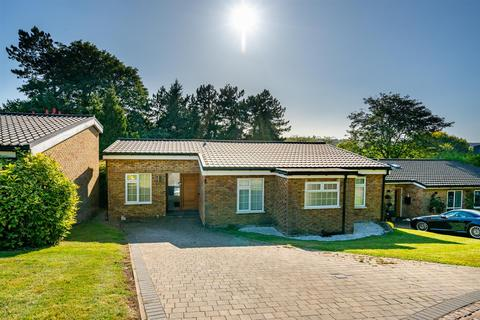 4 bedroom detached bungalow for sale - Beech hill court, Berkhamsted