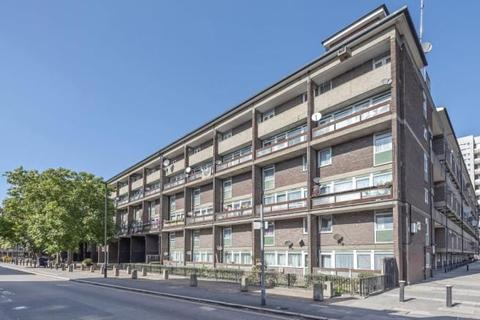 3 bedroom maisonette for sale - Dovet Court, Mursell Estate, London, London, SW8 1HR