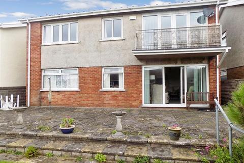 2 bedroom flat for sale - Rest Bay Close, Porthcawl, Bridgend. CF36 3UN