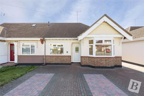 2 bedroom bungalow for sale - Pentland Avenue, Chelmsford, Essex, CM1