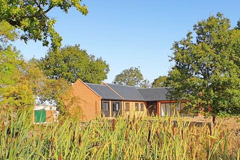 2 bedroom barn conversion to rent - New Road, Marlesford