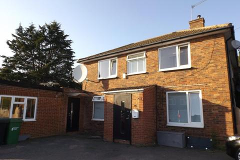 4 bedroom house to rent - Lower Lees Road, Slough, SL2