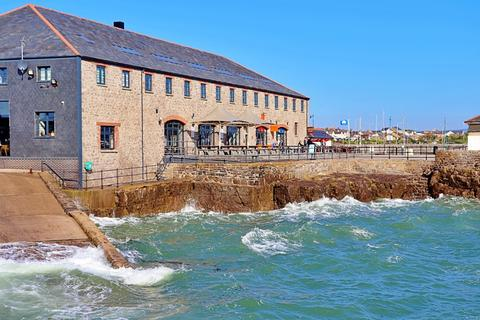 1 bedroom flat to rent - Jennings Building , The Harbour, Porthcawl, CF36 3XA