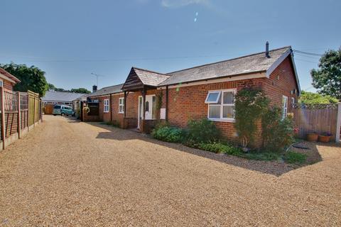3 bedroom semi-detached bungalow for sale - School Road, Romsey