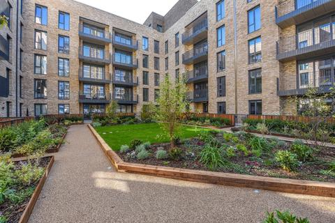 2 bedroom apartment for sale - High Street, Staines upon Thames, TW18