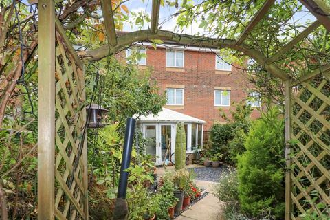 5 bedroom townhouse for sale - East Stour Way, South Willesborough, Ashford, TN24 0SX