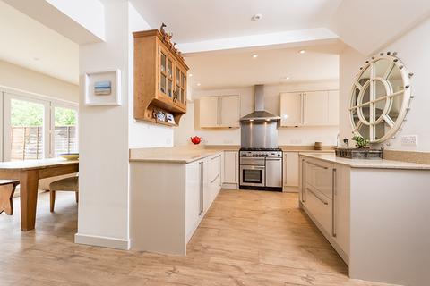 4 bedroom house to rent - Hilltop Gardens , Islip , Oxfordshire  OX5