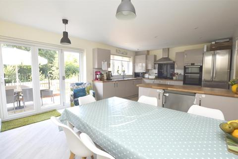 4 bedroom detached house for sale - Nelson Ward Drive, Radstock, BA3 3FP