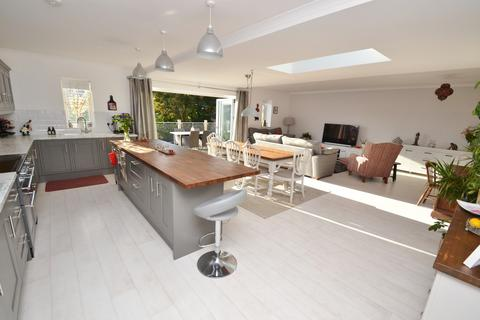 4 bedroom detached house for sale - Swanage