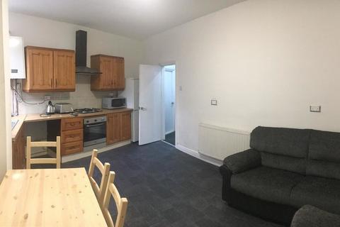 4 bedroom terraced house to rent - Eva Street, 4 bed, Rusholme