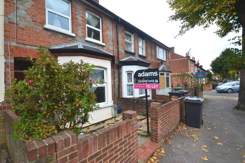 3 bedroom terraced house to rent - Prince Of Wales Ave, Reading, Berkshire RG30