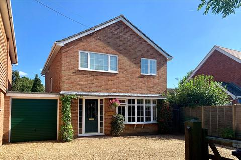 3 bedroom detached house for sale - Lower Common Road, West Wellow, Romsey, Hampshire, SO51