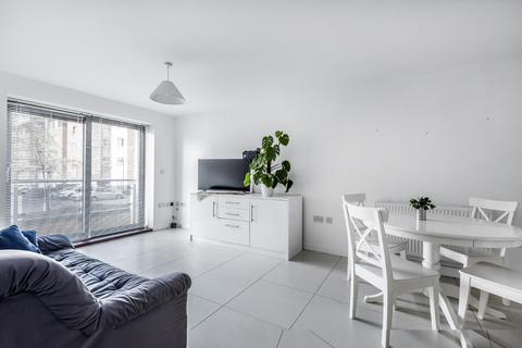2 bedroom flat for sale - St. Georges Grove, Earlsfield