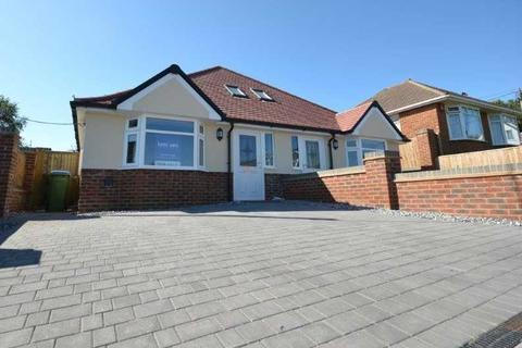 3 bedroom bungalow for sale - Chaucer Road, Southampton