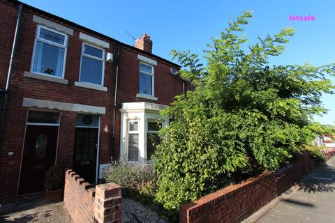 3 bedroom terraced house to rent - Princes Gardens, Whitley Bay.  NE25 8EA  ** FABULOUS LOCATION **
