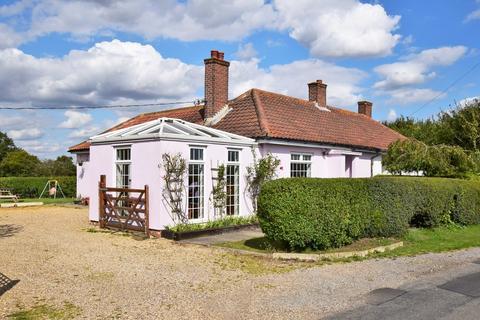 3 bedroom semi-detached bungalow for sale - Aldham Tye, Ipswich IP7 67LF