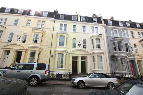1 bedroom flat to rent - Holyrood Place, The Hoe, Plymouth