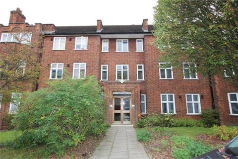 3 bedroom ground floor flat to rent - Haslemere Road, London