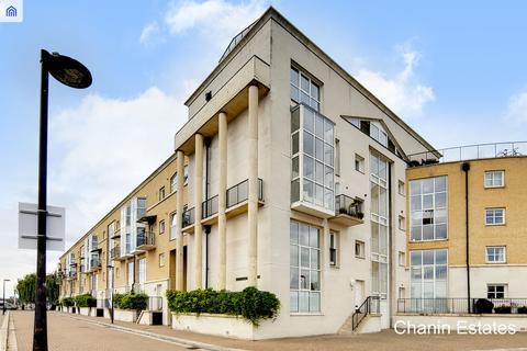 2 bedroom detached house to rent - Queen Of Denmark Court, Surrey Quays