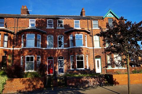 4 bedroom terraced house for sale - Scalby Road, Scarborough